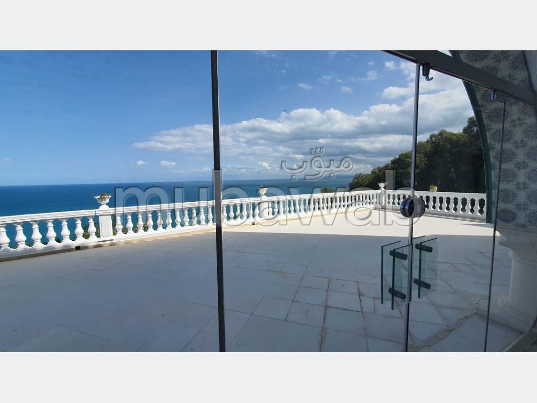 شقة للإيجار ب المرسى. المساحة 500 م². منظر بحري استثنائي ، تدفئة مركزية.
