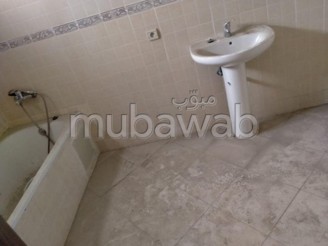 Appartement à l'achat à Tanger. 4 belles chambres. Avec ascenseur et 2 terrasse