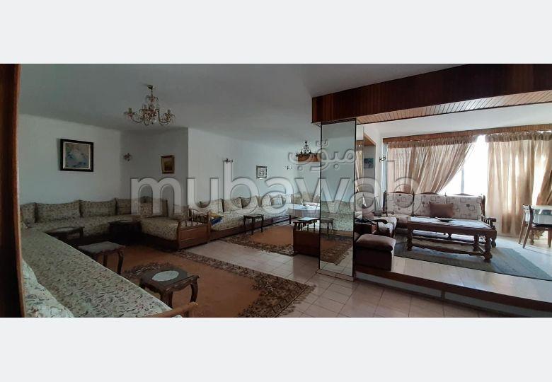 Se vende piso en Maârif. 2 Dormitorio. Parking y ascensor.