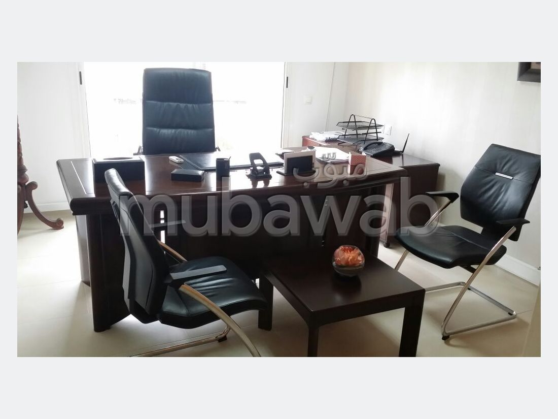 Offices for rent in Riyad. Total area 155 m². No Lift, Large terrace.