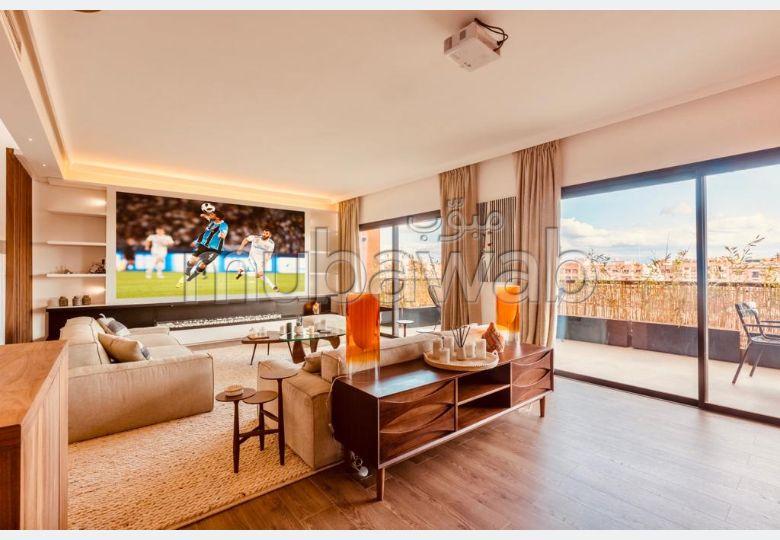 شقة جميلة للكراء بكليز. المساحة الكلية 220 م². مفروشة.
