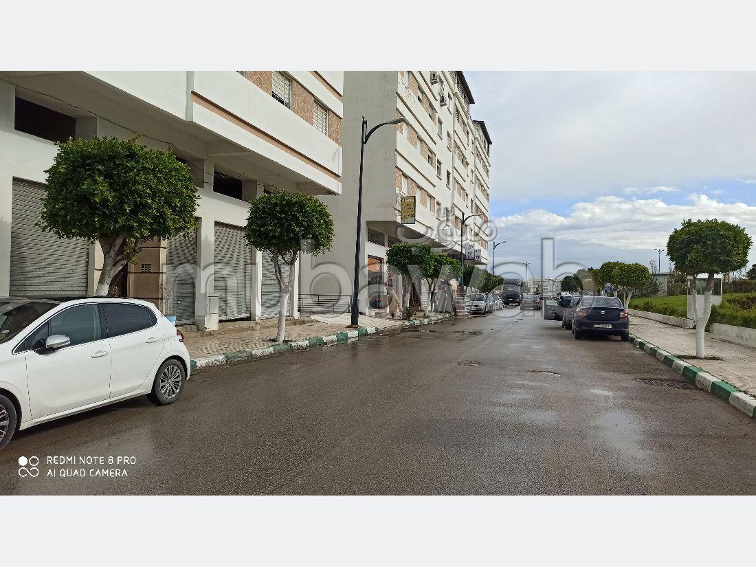 Oficinas y locales comerciales en venta en Mesnana. Area 98 m².