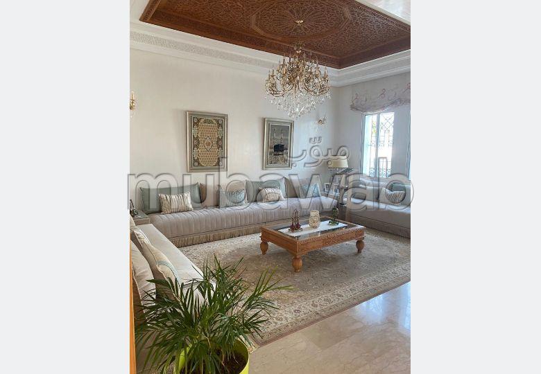 Somptueuse villa à vendre à Casablanca an diab. 4 belles chambres. Porte blindée et parabole