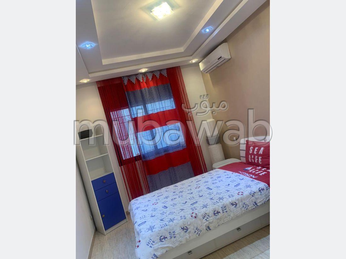 Bel appartement en location à Rabat. 3 chambres. Bien meublé