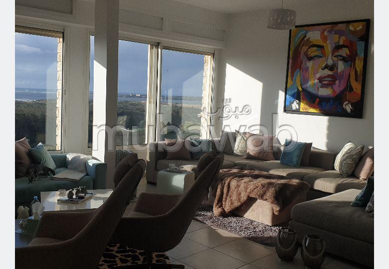 Bel appartement en location à Arrière Pays. 3 chambres. Bien meublé