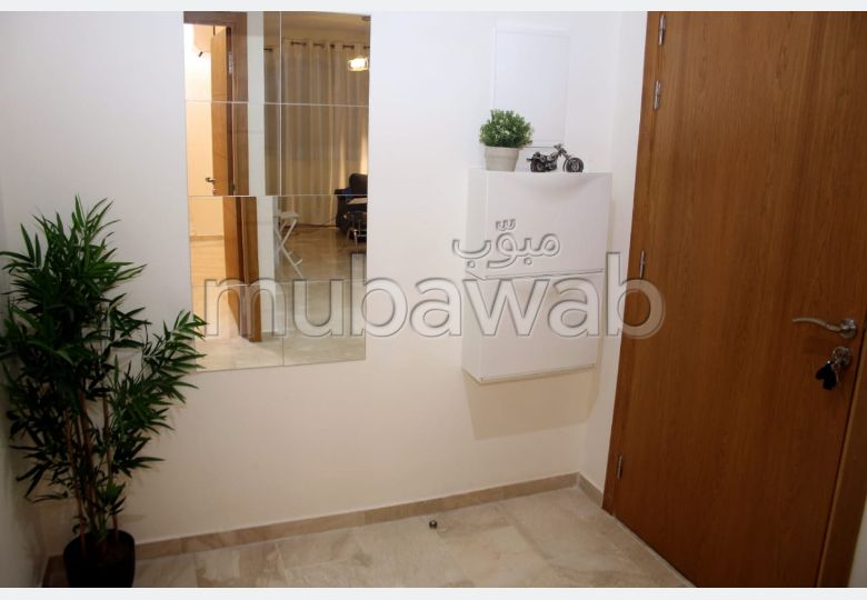 Rent an apartment in Hivernage. 4 Rooms. Ample storage space.