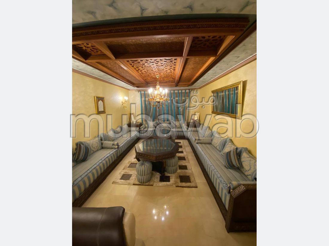 شقة جميلة للكراء ب ايبرية. 3 غرف. مفروشة.