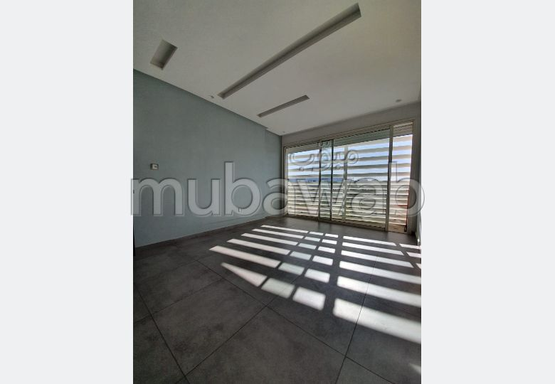 Very nice apartment for rent in Palmier. 2 Surgery. Lift and parking spaces.