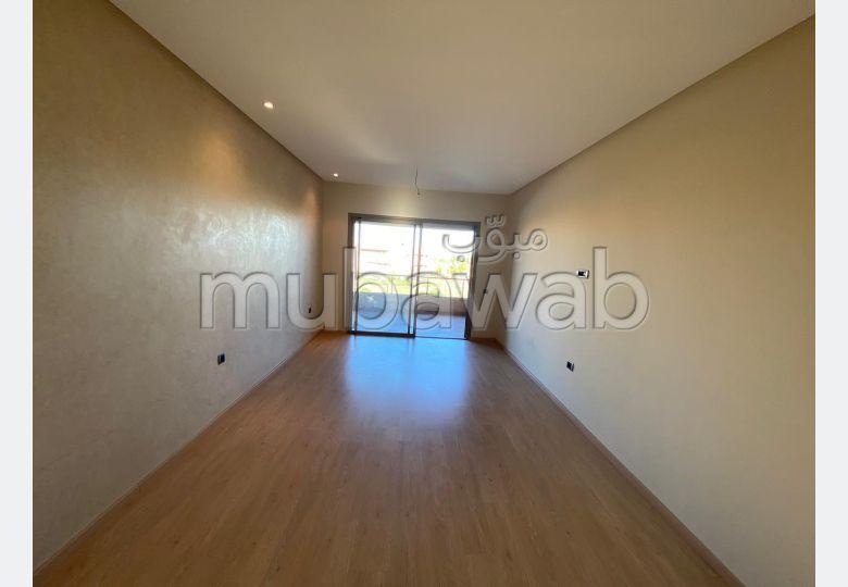 شقة للإيجار بكليز. 3 غرف. منظر يطل على الجبال، الزجاج المزدوج.