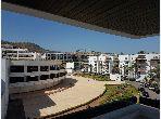 شقة رائعة للبيع ب الميناء. 2 قطع رائعة. المناطق الخضراء ومصعد.