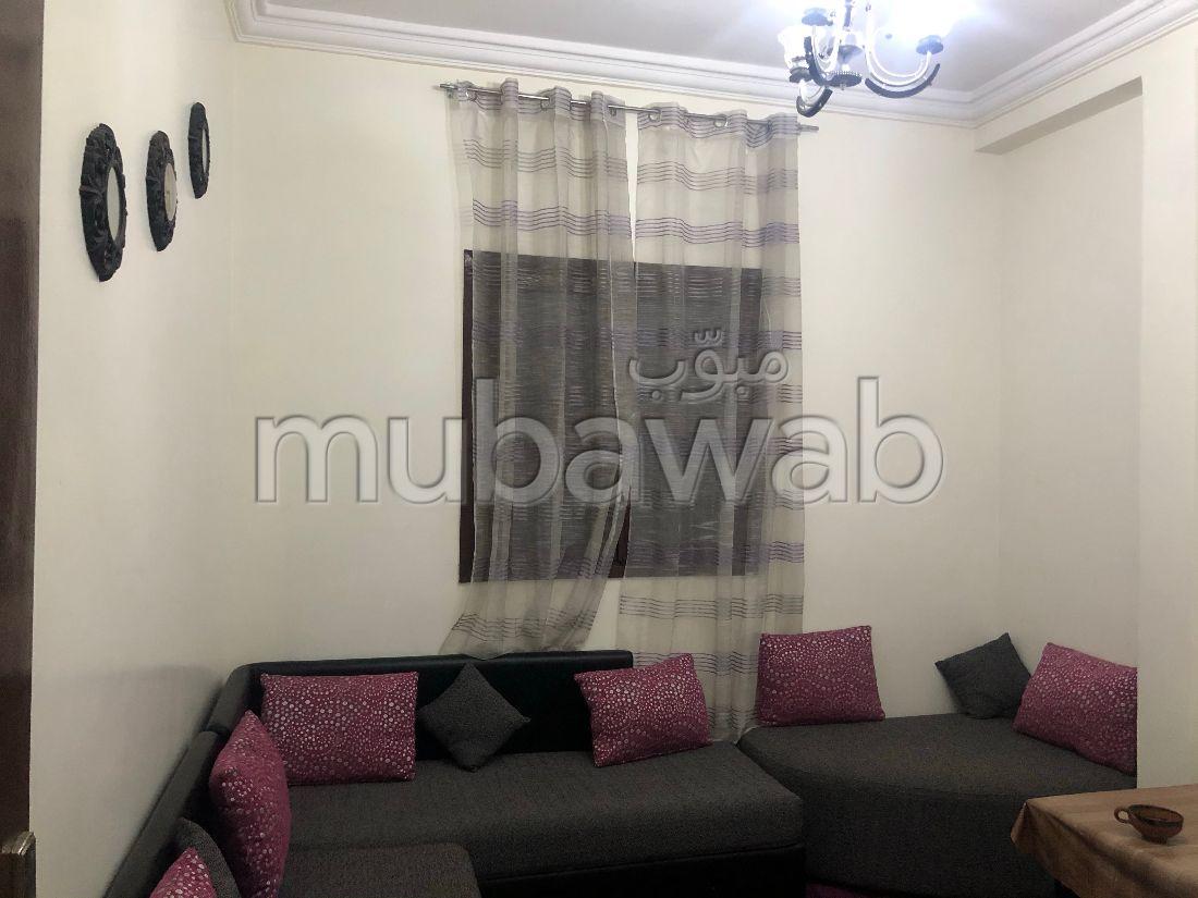 Piso en venta en Oulad Wjih. 3 Habitación pequeña. Sistema parabólico y salón de estilo marroquí.