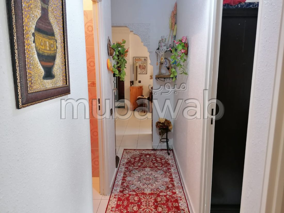 Apartment to purchase in Hay Chmaou. 3 Living room. Living room with Moroccan decor, General satellite dish system.