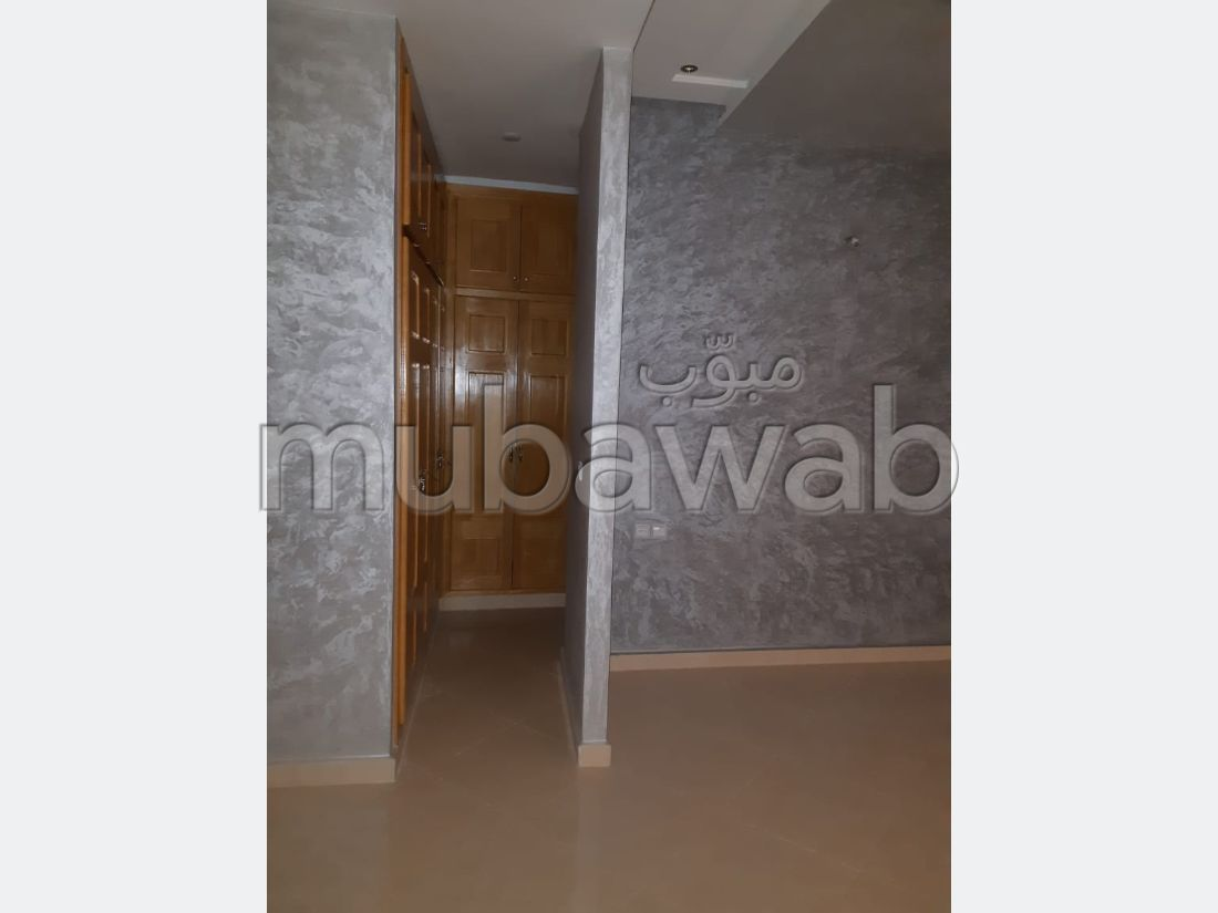 Find an apartment to buy in Route ain Chkaf. Dimension 210 m².