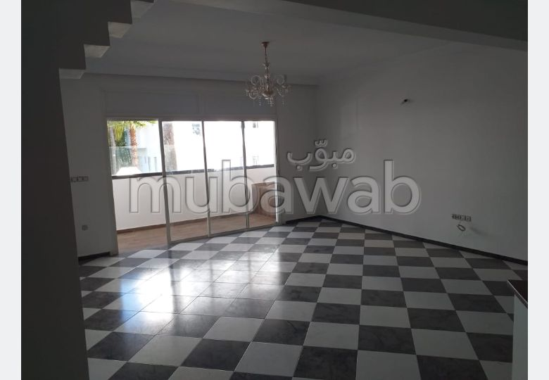 Lovely apartment for rent in Riyad. Total area 220 m². With Lift, Carpark.