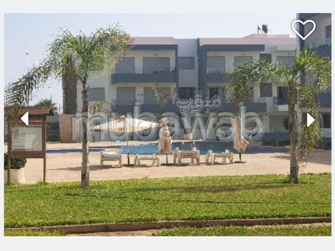 Superbe appartement à louer à Dar Bouazza. Superficie 98 m². Places de stationnement et terrasse.