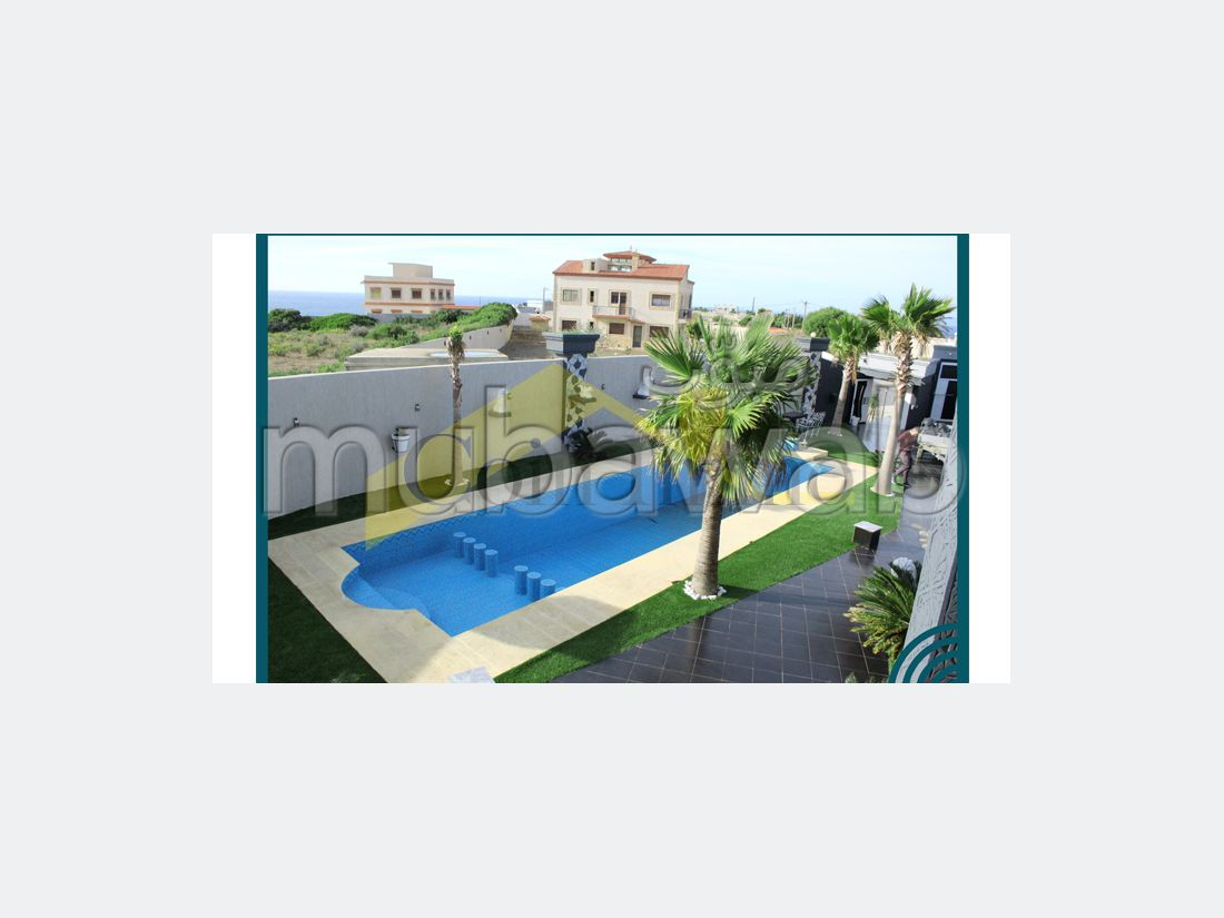 High quality house for sale in manar. Large area 1109 m². Parking spaces and garden.