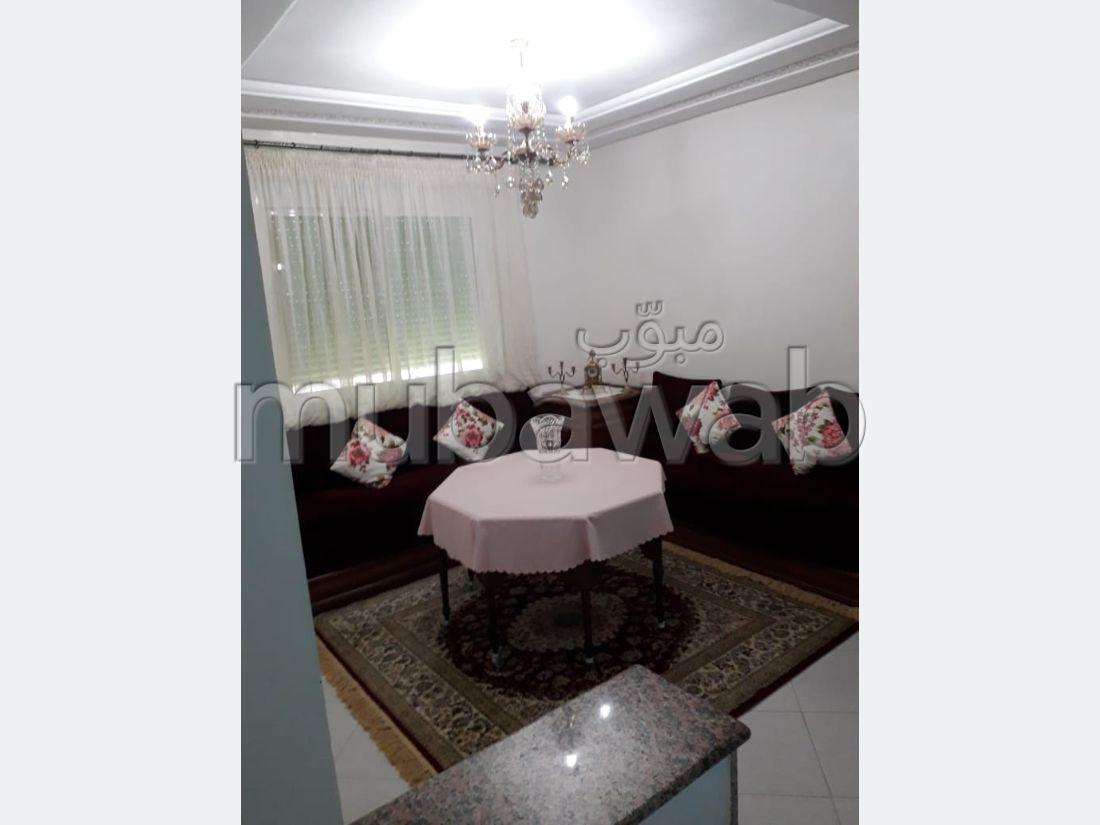 شقة رائعة للبيع ب ميموزا. المساحة الإجمالية 74 م². المرآب والشرفة.