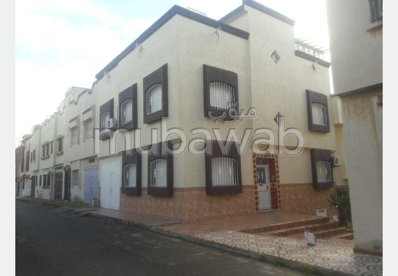 Casa en venta en Ismalia. 7 Estudio. Plazas de parking y terraza.