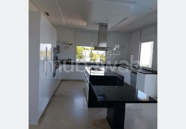 Sell apartment in Palmier. 4 comfortable rooms. With garage and lift.