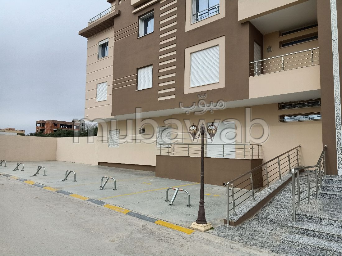 Bel appartement à vendre. Surface totale 320 m². Prestation de conciergerie, belle Piscine