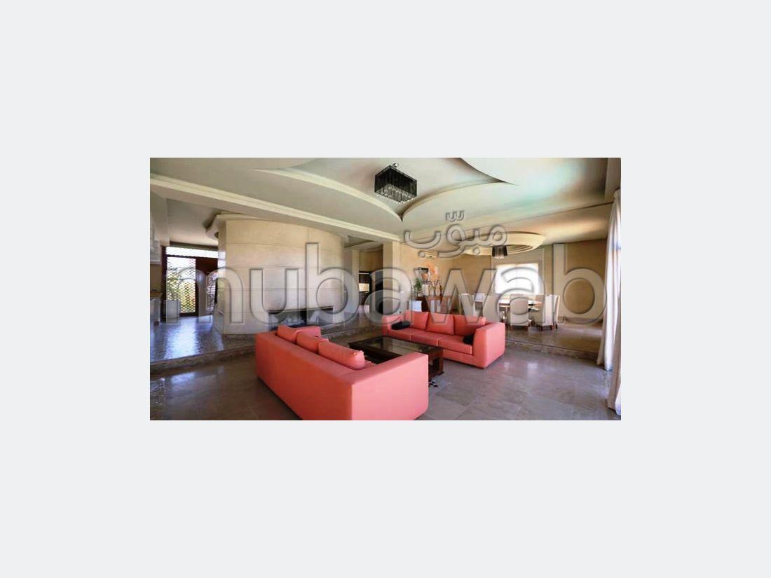 Alquila este piso en Hay Targa. Área total 600 m². Amueblado.