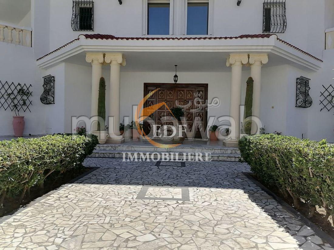 Réf 2208: Royal Villa sur 2105 m², corniche, Bizerte