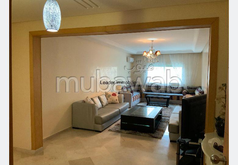 Grand appartement meublé propre et modern