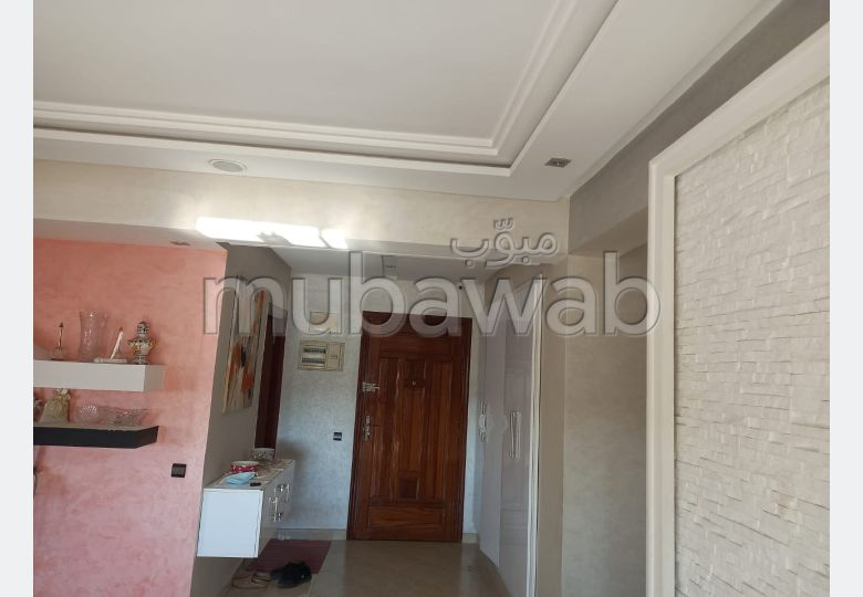 Find an apartment to buy in Centre. 4 Surgery. With Lift, Balcony.