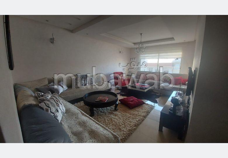 Precioso piso en alquiler en Hay Mohammadi. 2 dormitorios. Completamente amueblado.