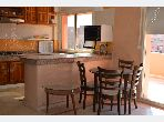 Rent an apartment in Guéliz. Total area 115.0 m². Traditional living room, general satellite dish.