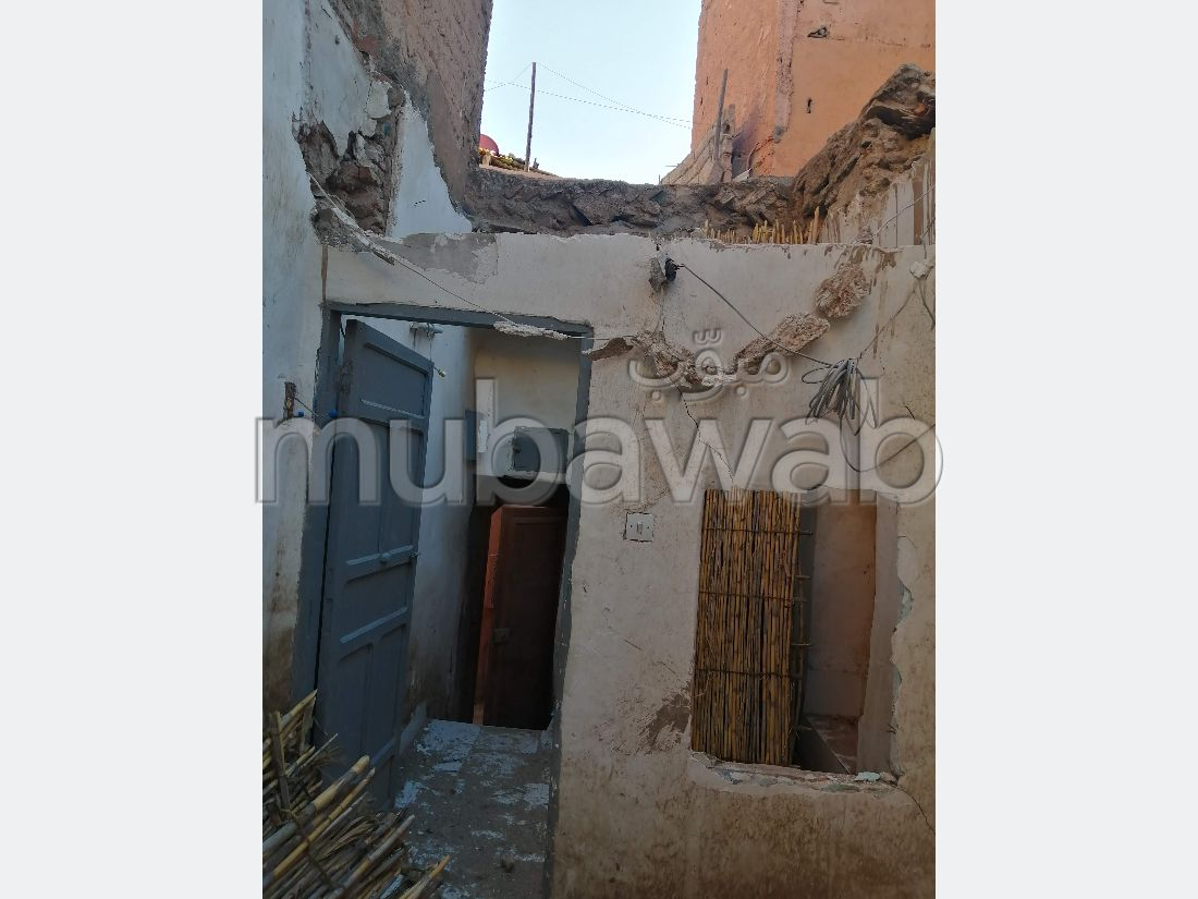 Very nice house for sale in Zaouiat Lahdar. 3 Large room.