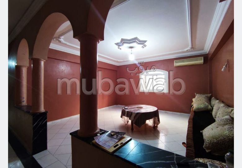 Rent this apartment in Guéliz. 2 Dormitory. caretaker service available, General air conditioning.