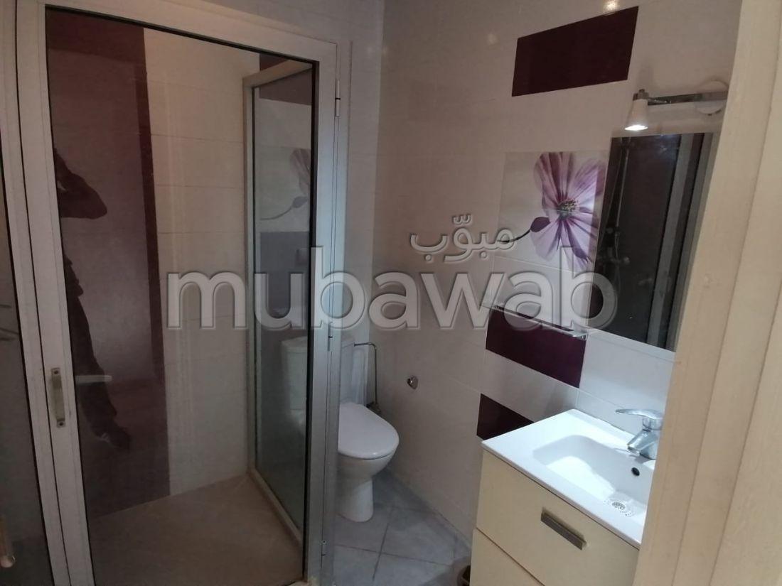 Superbe appartement à louer à Agadir. 3 belles chambres.  Salon Belle terrasse