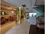 Villa de lujo en venta en Malabata. 5 Suite parental.