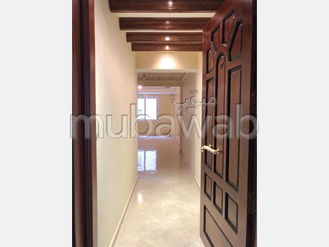 Apartment for sale in Médina. 3 Rooms. With garage and lift.
