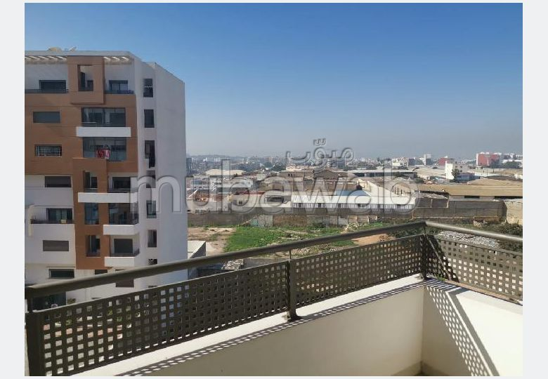 Rent this apartment in Amsernate. 3 Rooms. With garage and lift.