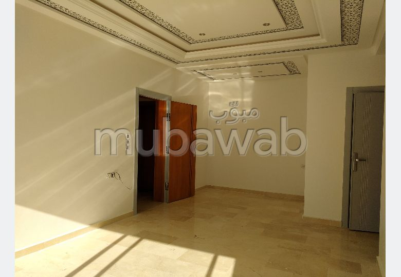 Apartment for sale in Marchan. 4 Rooms. With Lift, Balcony.