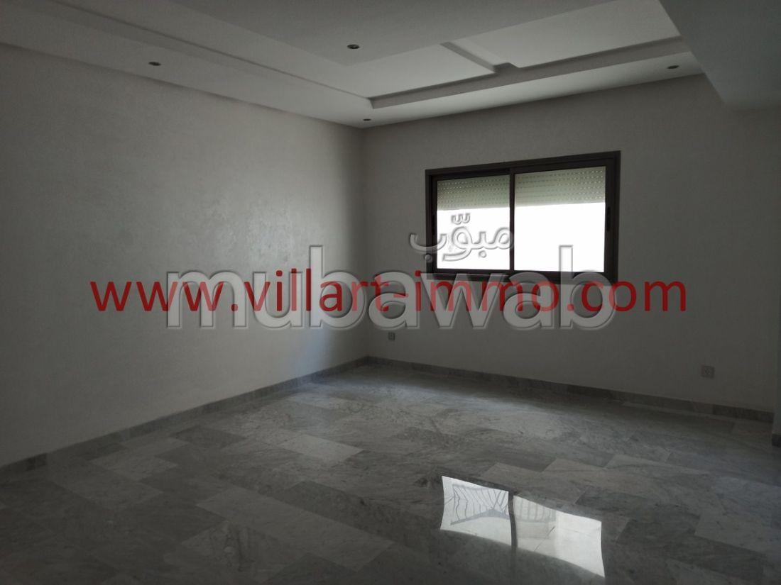 Bonito piso en venta en Iberie. 4 Salas. Salón marroquí y antena parabólica.