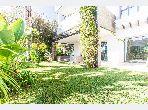 شقة رائعة للبيع ببوسكورة. المساحة الإجمالية 408 م². المدفأة وحارس الإقامة.