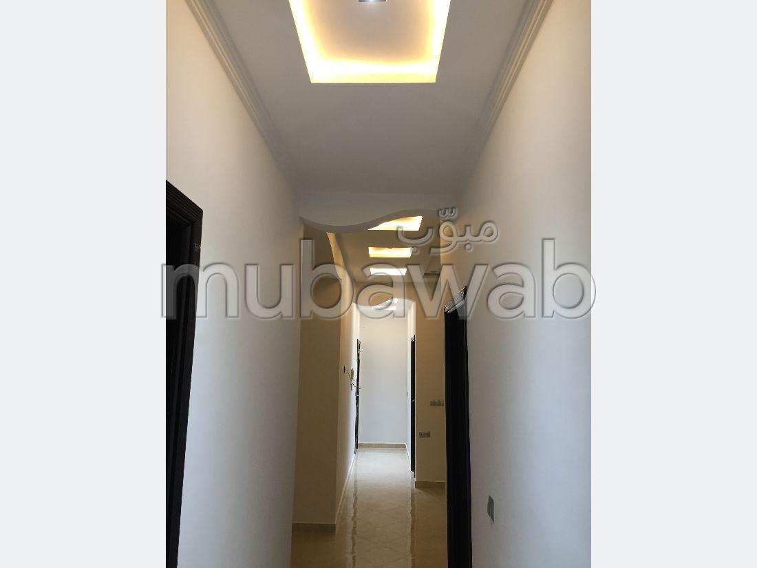 Appartement en vente à Tanger. 3 chambres. Terrasse et ascenseur