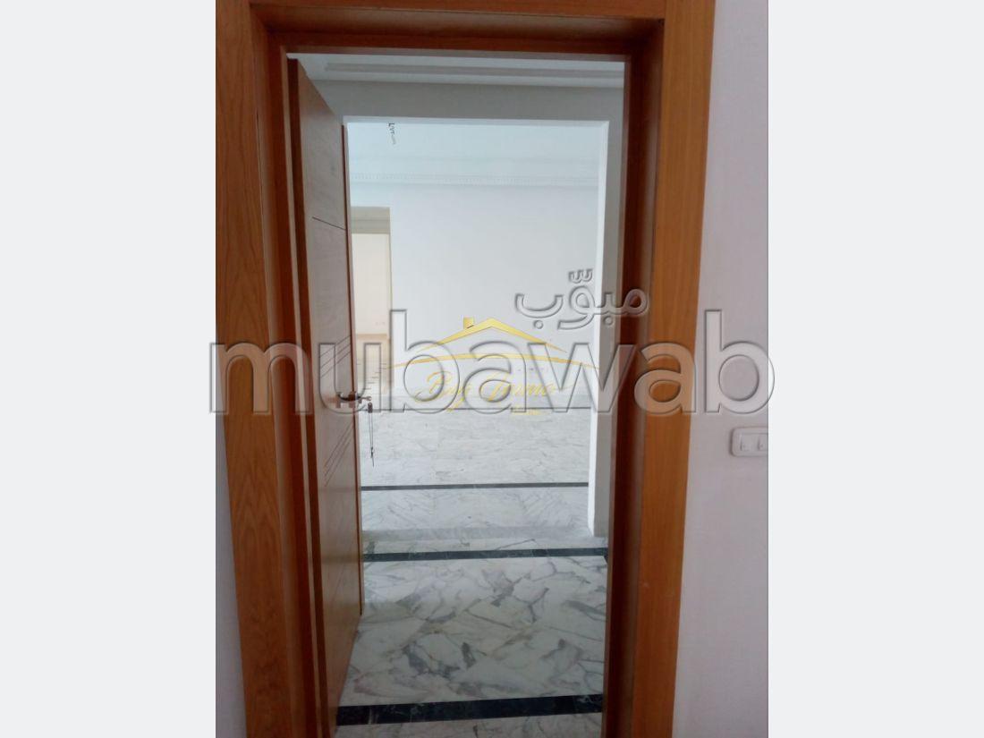 Spacieux Appartement à khzema Est