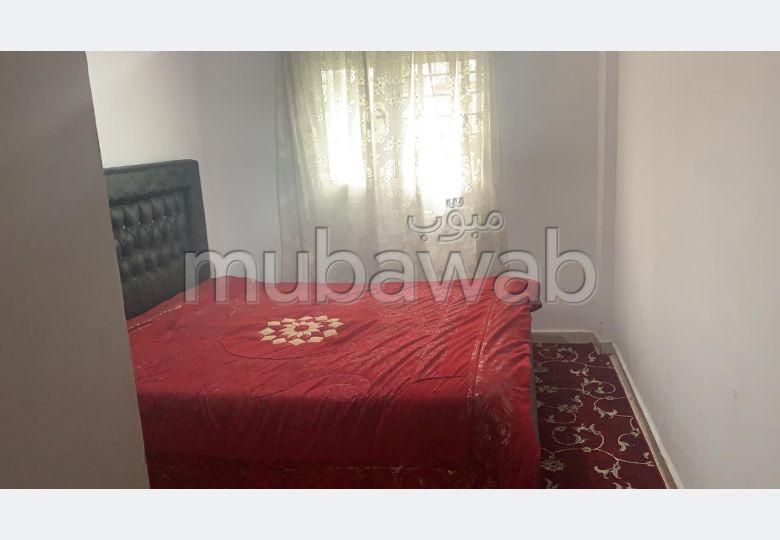 Precioso piso en alquiler en Achakar. 2 Salas. está amueblado con buen gusto.