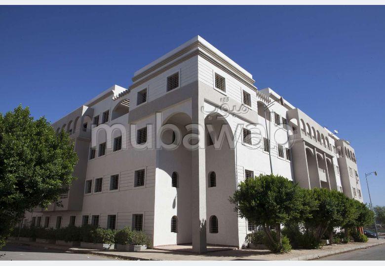 Piso en venta en Hay Bensouda. Área total 90 m².