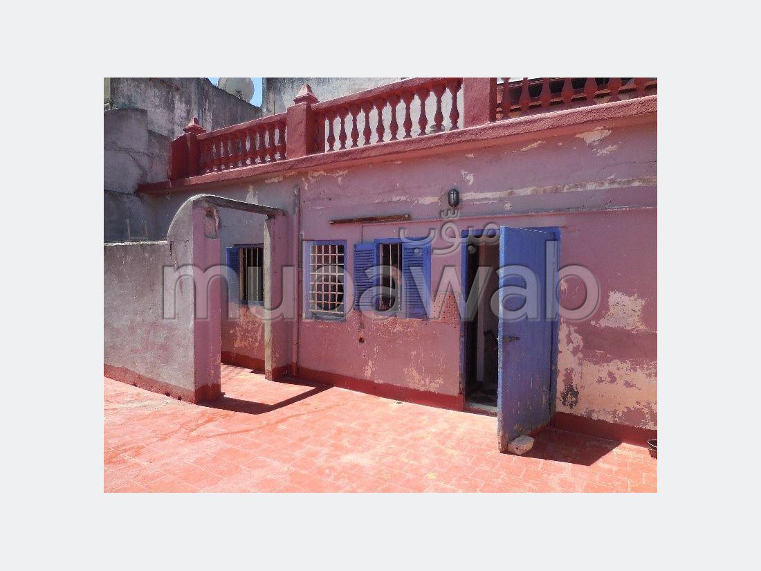 Maravillosa casa en venta en Médina. 4 Sala común. Hermosa terraza.