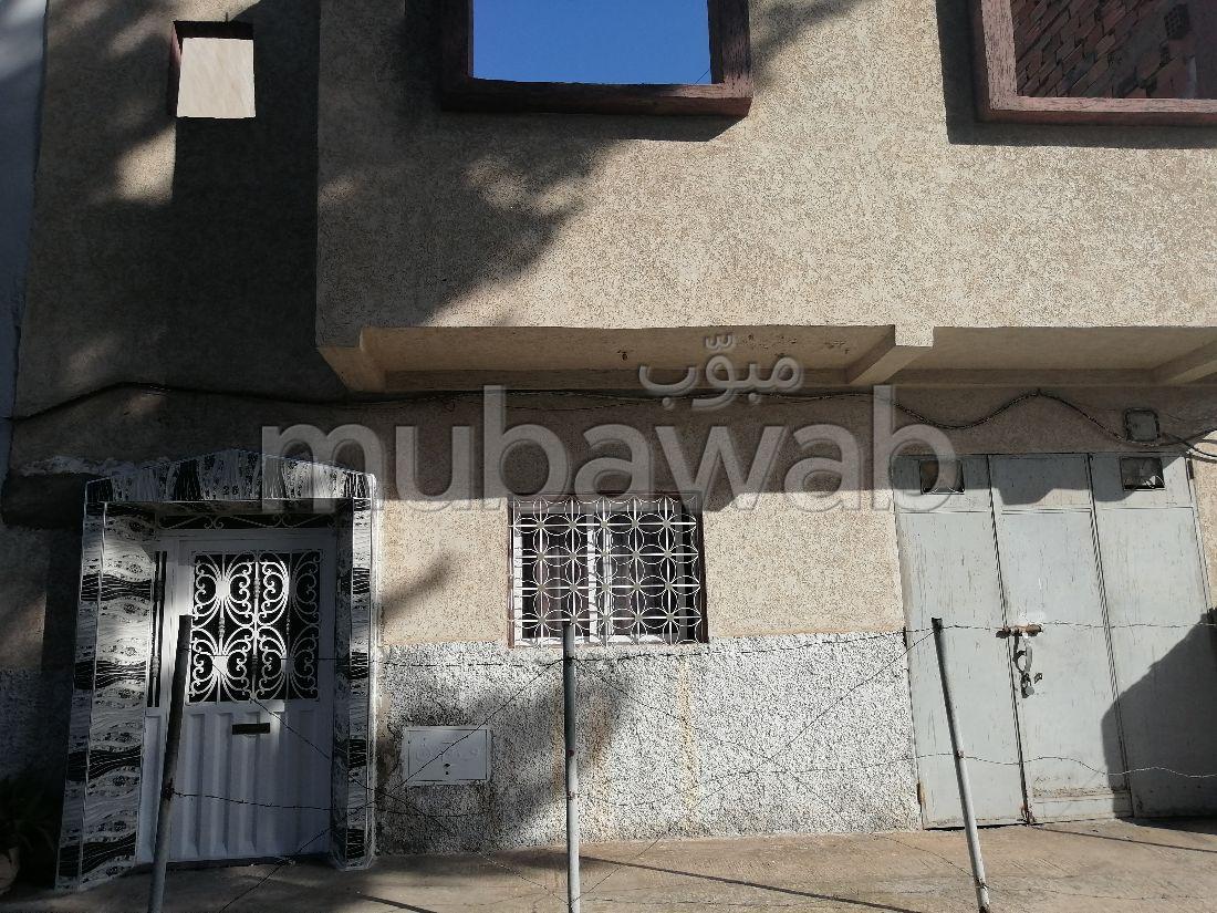 Se vende casa en Maamora. 6 Gabinete. Salón marroquí tradicional.
