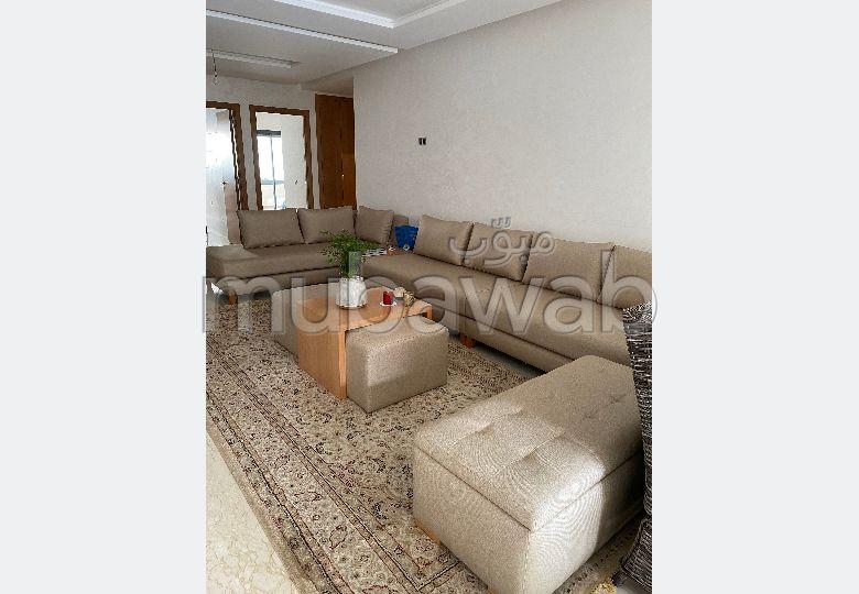 Très bel appartement en location à Mohammedia. Surface de 108 m². Bien meublé