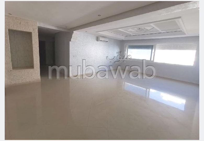 Apartment for rent in Hay Mohammadi. 3 Practice. Green areas, No Lift.