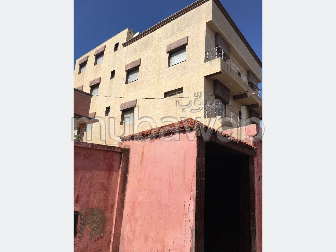 Trouvez votre maison à acheter à Mehdia. 11 chambres agréables. Garage et terrasse