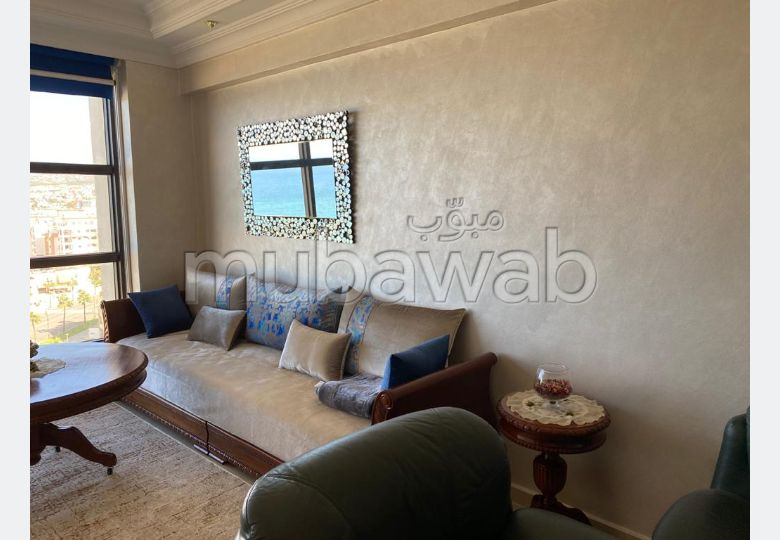 Beautiful apartment for sale in Malabata. Surface area 90 m². Carpark and elevator.