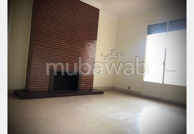 Apartment for rent in Iberie. 4 Rooms. Functional fireplace.
